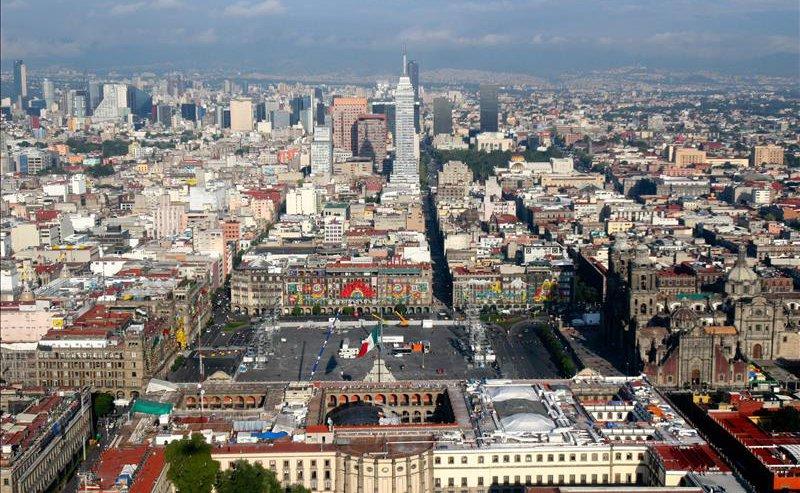 Una delegación mexicana del sector de la energía solar visita Asturias